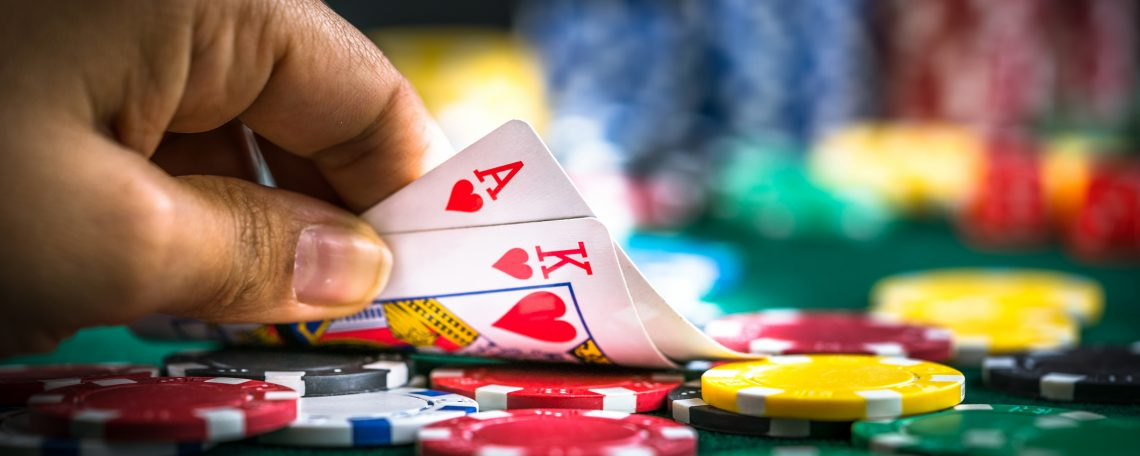 Online Poker: New-Age Playing - Online Gaming