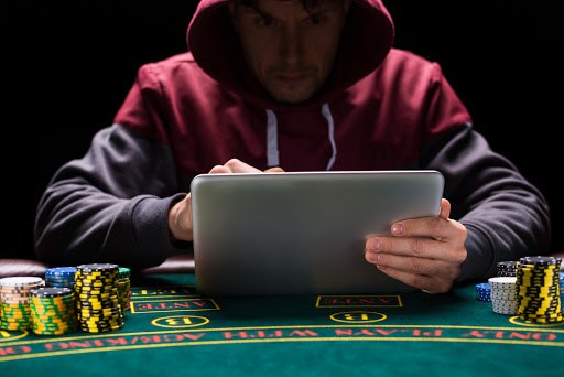 Learn To Utilize The Poker Guide To Play Free Poker Online - Betting